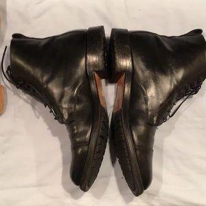 Allen Edmonds Shoes - Allen Edmonds Andover black leather/vibram soles